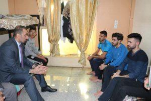 مساعد رئيس الجامعة العراقية للشؤون الإدارية يزور مجمع الاقسام الداخلية للطلبة في سبع ابكار